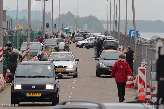 Noordersluis, IJmuiden |  Vertrek nieuw cruiseschip Koningsdam |  FotoKvL / Ko van Leeuwen |  kvl_160522_1931010.jpg / 22-5 -2016 19:31:01