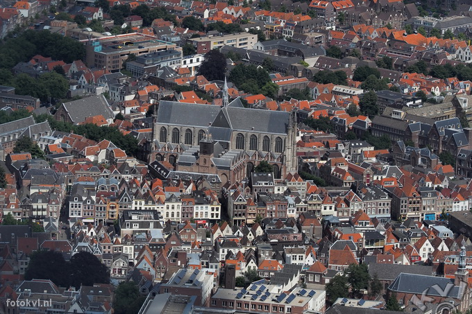Luchtfoto  Hooglandse kerk, Leiden