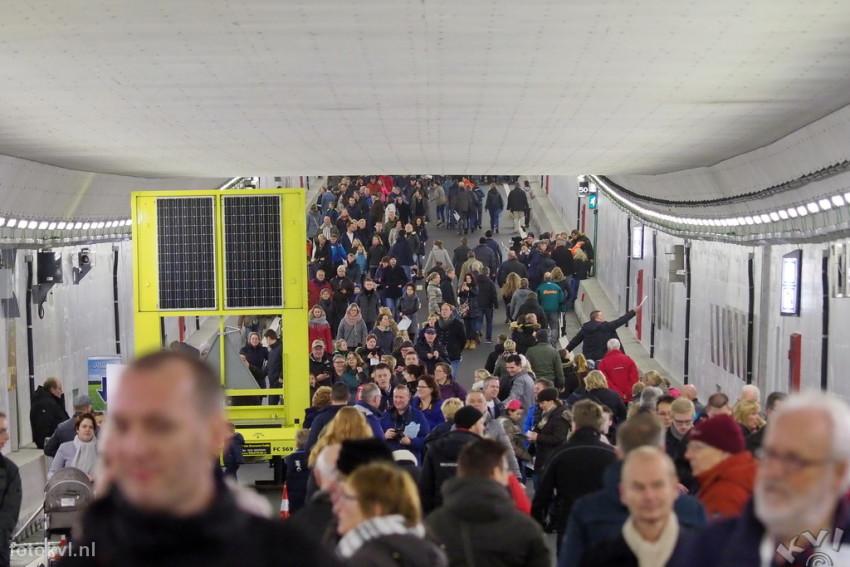 Velsertunnel, Velsen-Noord |  Publieksdag Velsertunnel |  FotoKvL / Ko van Leeuwen |  kvl_170108_1037410w.jpg / 08-1 -2017 10:37:41