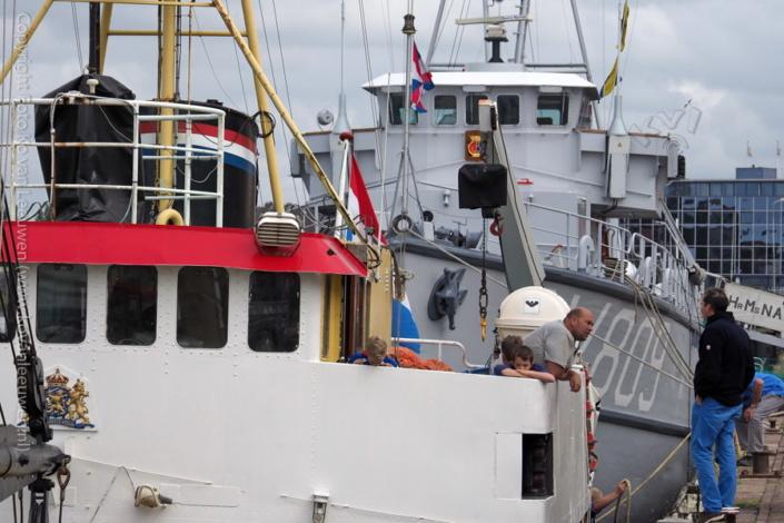 Trawlerkade, IJmuiden. Korpsschip Zaandam. Havenfestival 2017