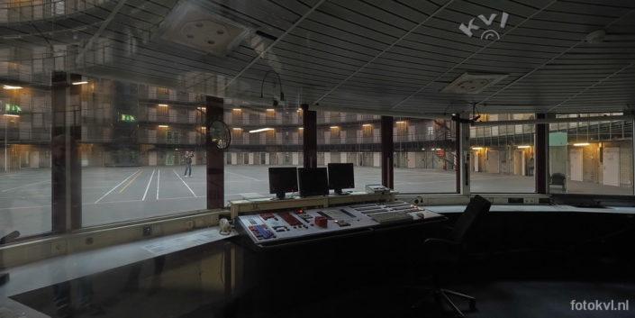 Gevangenis de Koepel, Haarlem | Controlekamer | FotoKvL / Ko van Leeuwen | kvl_170929_1209560.jpg / 29-9 -2017 12:09:56